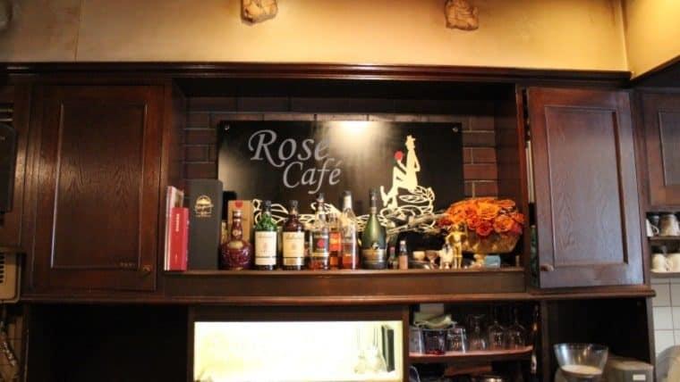 ローズカフェのカウンター