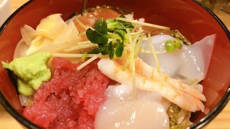 梅田屋・まかない海鮮小丼ぶり