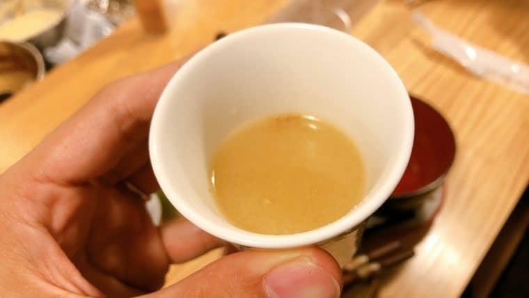 梅田屋・締めの味噌汁