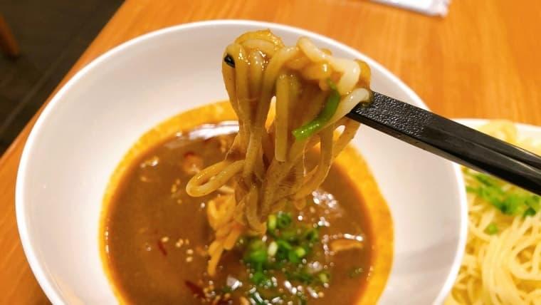 冷たいカレースープ…は元気が出る辛さ