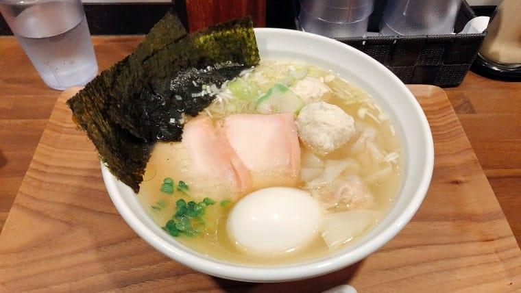 淡麗らぁめん(塩)+大漁のせ